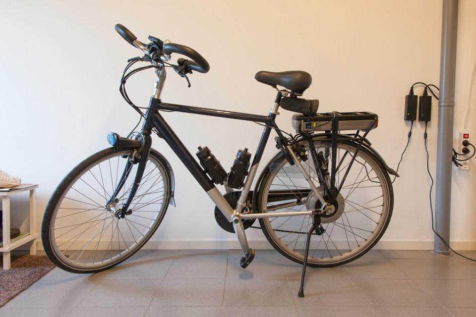 elektro fahrrad der siegeszug der e bikes. Black Bedroom Furniture Sets. Home Design Ideas
